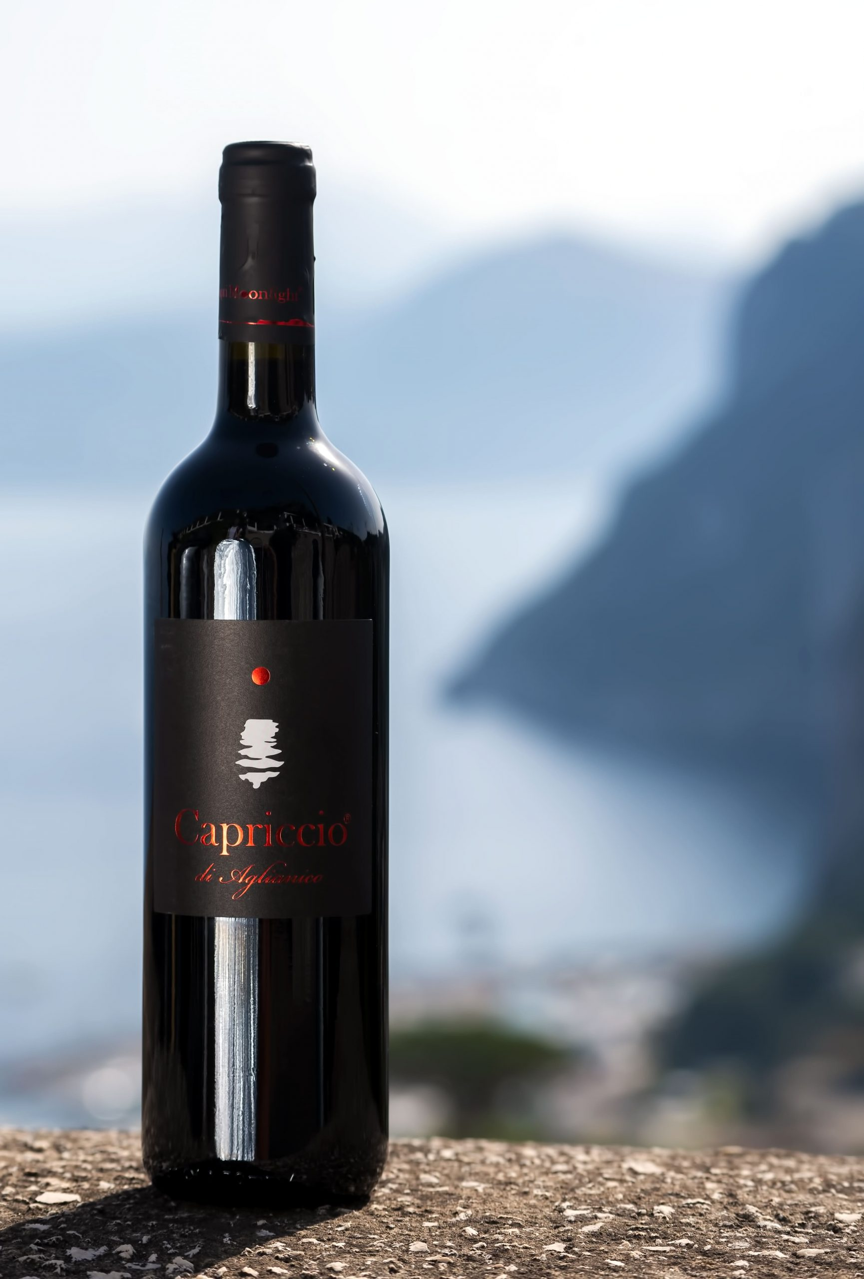 capriccio of aglianico. capri moonlight. wine capri