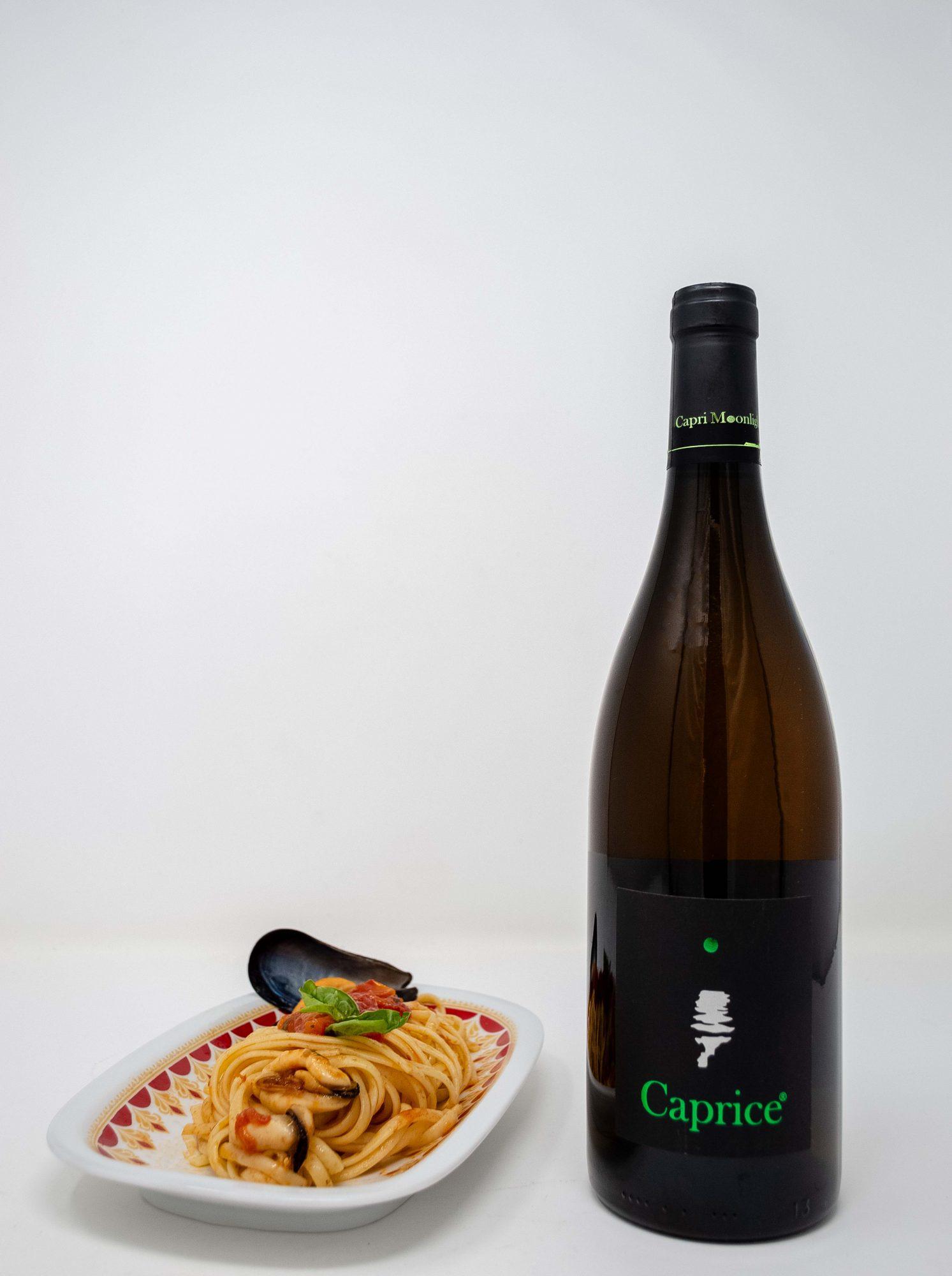 """Spaghetti con le cozze e """"Caprice bianco"""" di """"Capri Moonlight"""": due tentazioni a tavola!"""