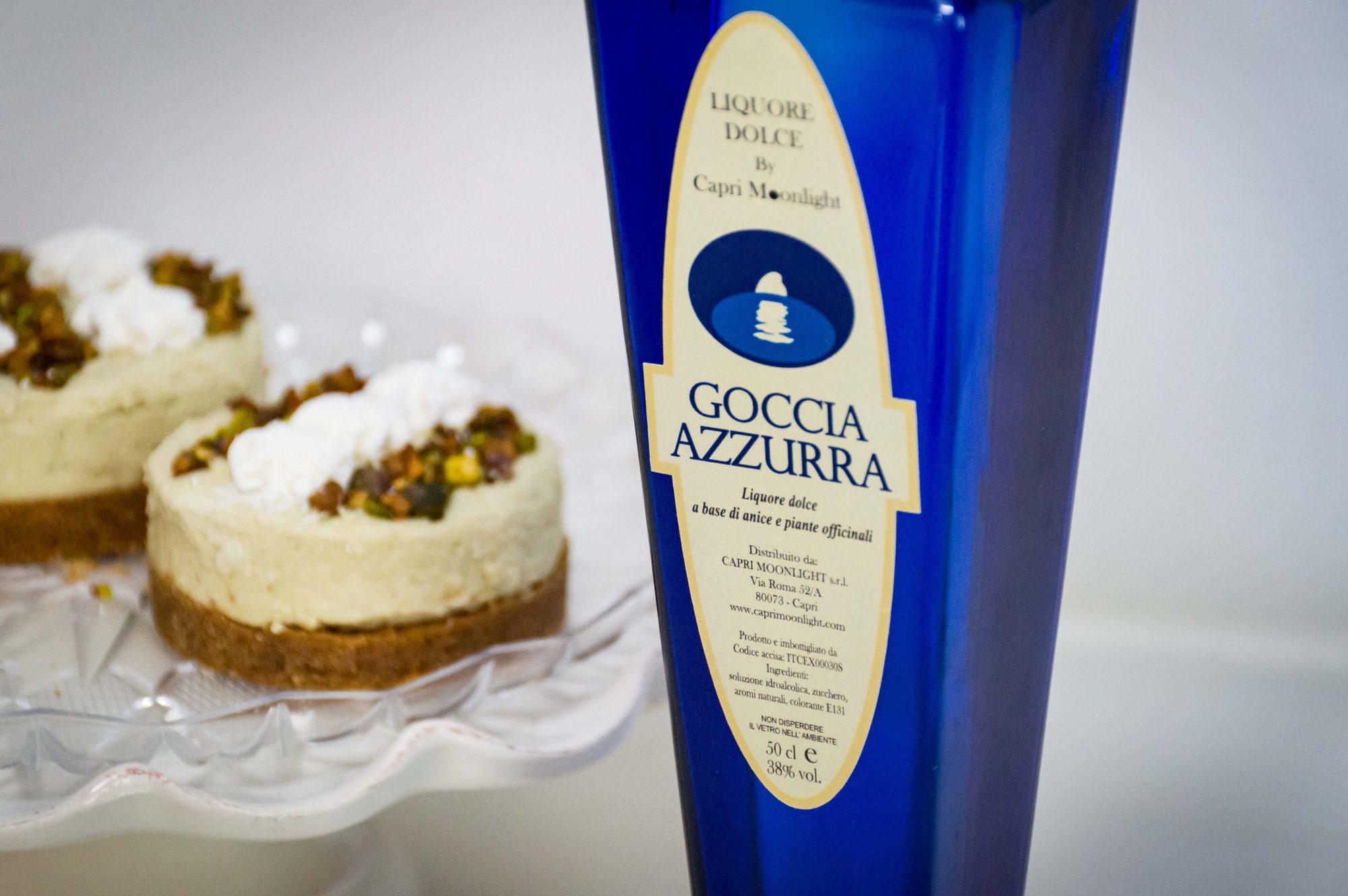 Due buoni motivi per rimanere a casa: cheesecake al pistacchio e Goccia Azzurra 🍸